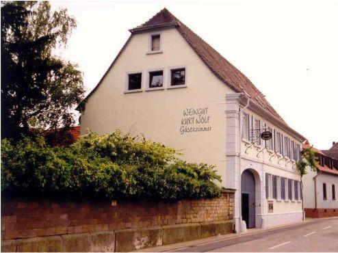 Weingut Kurt Holf in Großkarlbach